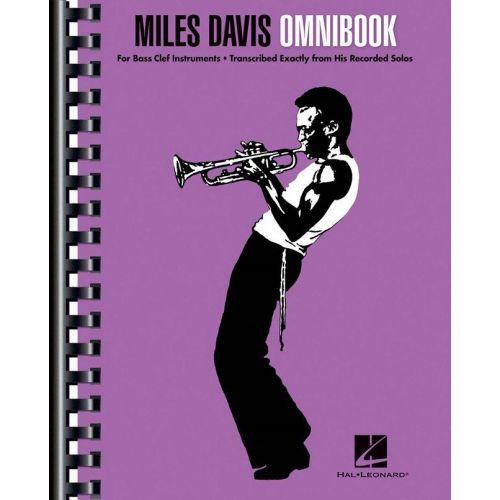 HAL LEONARD MILES DAVIS - OMNIBOOK (Bass Clef Instruments)