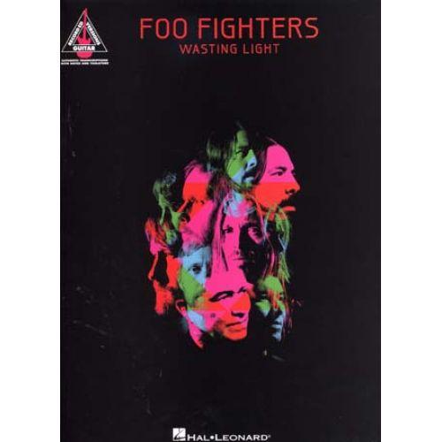 HAL LEONARD FOO FIGHTERS - WASTING LIGHT TAB