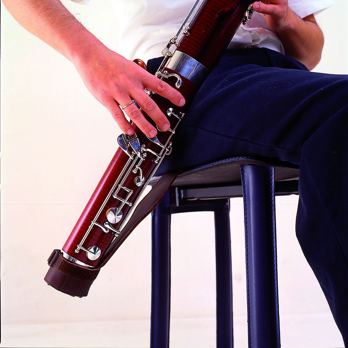 B06 - BASSOON LEATHER SEAT