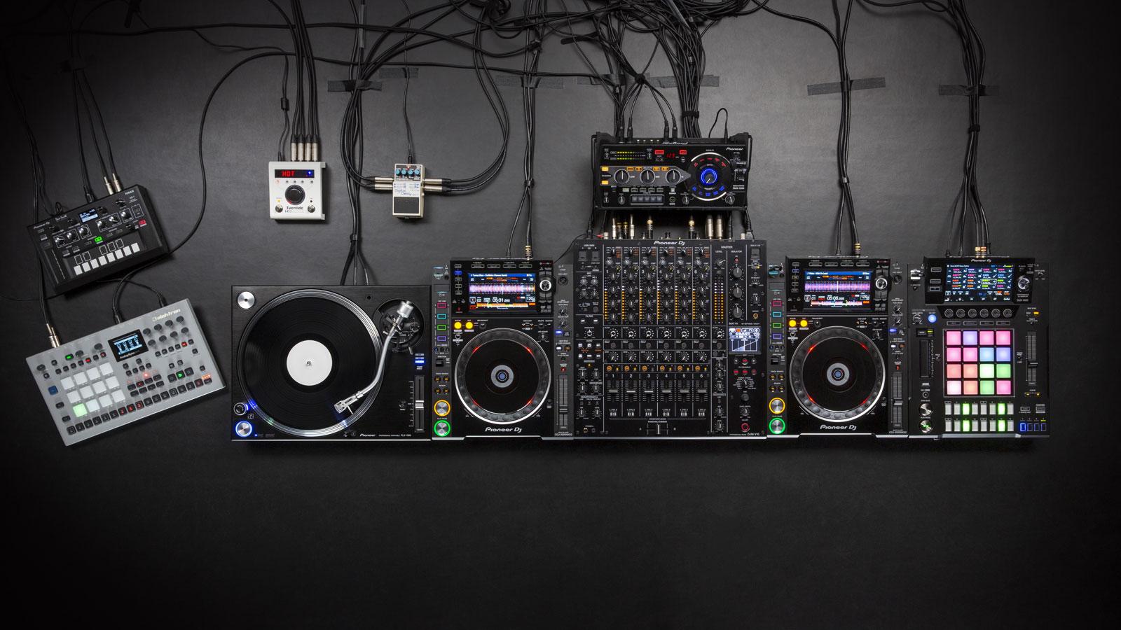 PIONEER DJ DJM-V10 - Woodbrass.com